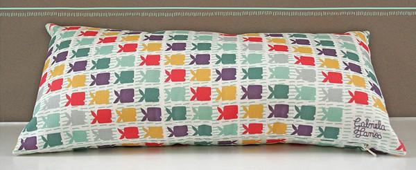 gabriela larios - aquapeces cushion