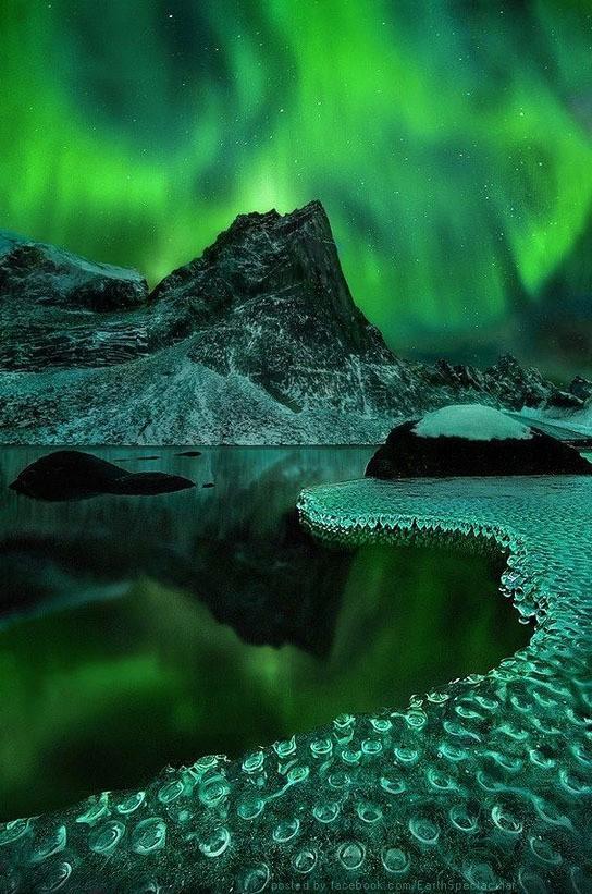 allneonlike - unknown - aurora borealis  yukon canada - via pinterest