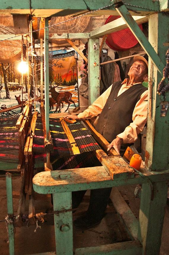 john shepherd - mariano weaving - salcaja guatemala