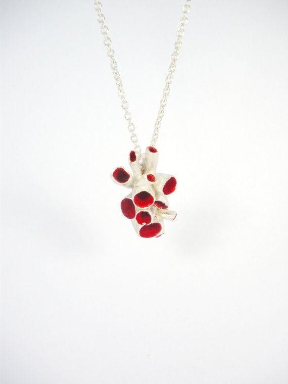 susana teixeira - red coral pendant