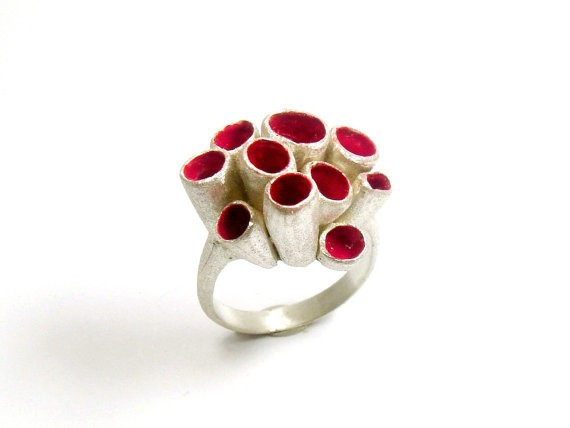 susana teixeira - red coral ring