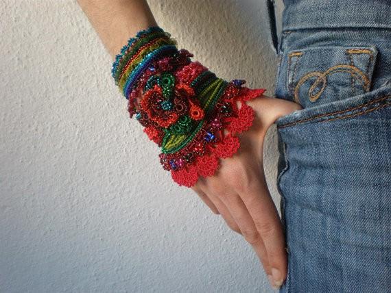 irregular expressions - calliandra haematocephala - crochet cuff