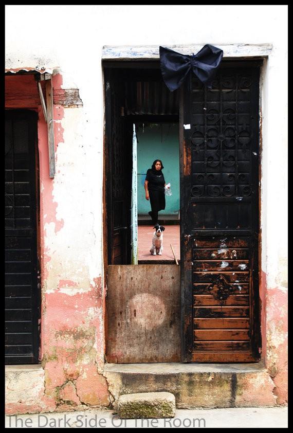 baptiste reithmann - street san cristobal de casas - portrait of woman and dog