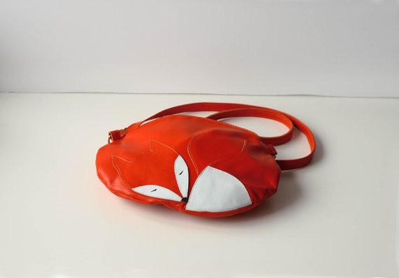 krukrustudio - leather bag sleeping fox