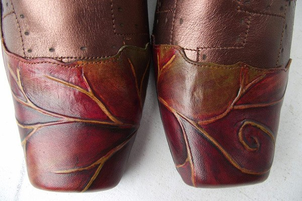 leaf boots detail