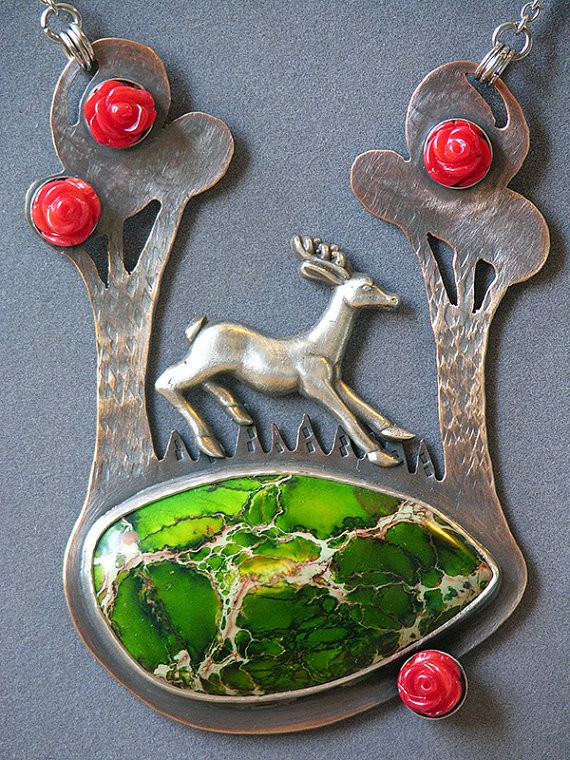 doll disaster design - forest stag necklace