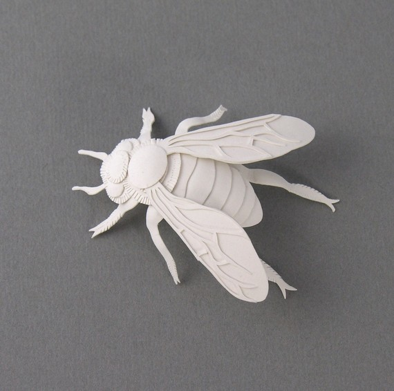 elsa mora - bee sculpture