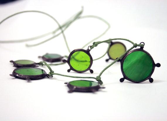 artkvarta - greens suns - necklace