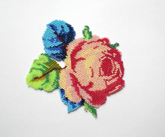 nepinka - vintage rose - neckpiece