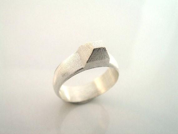 susana teixeira - signet ring