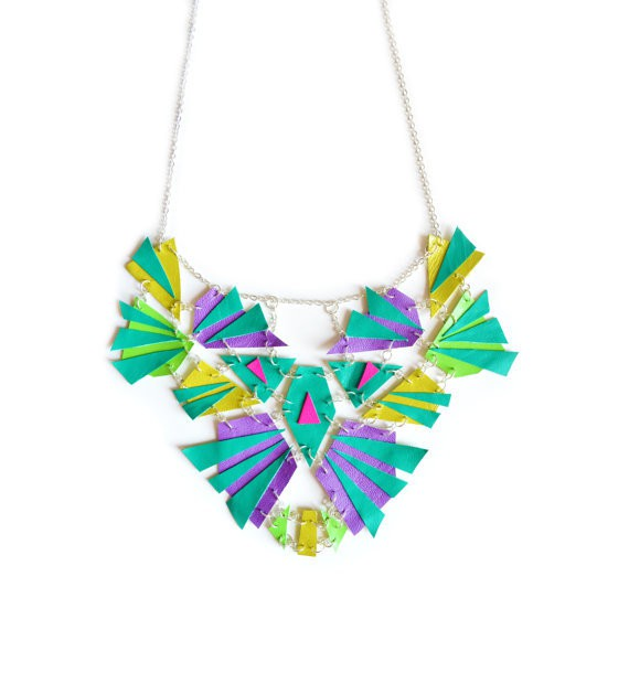 boo and boo factory - aztec triangles necklace