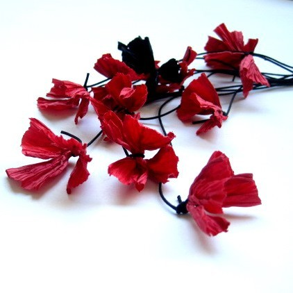 frank ideas - red paper flower necklace